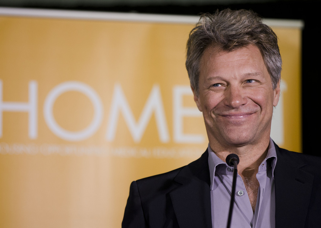 Bon Jovi to be honored for humanitarian work