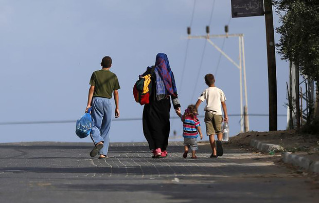 Gazans flee homes as Israel steps up campaign