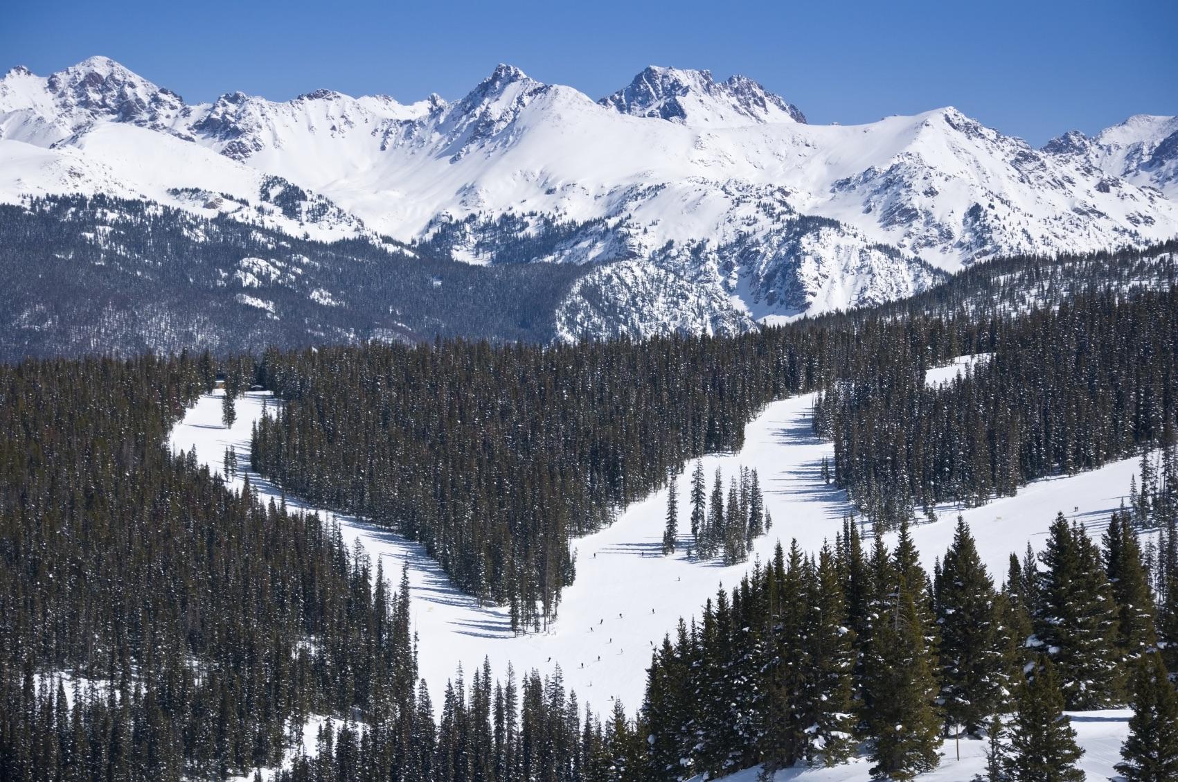 vail skiing.jpg