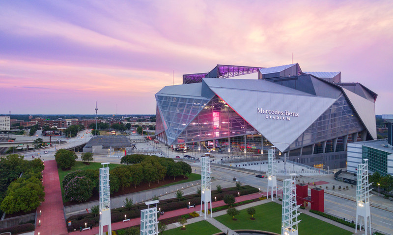 The Peach Bowl comes to Mercedes-Benz Stadium for some world-class college football.
