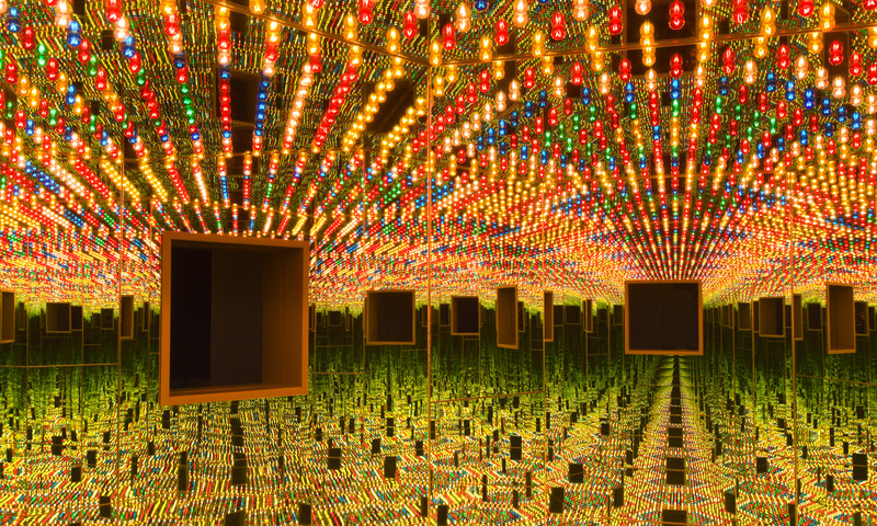Yayoi Kusama, Infinity Mirrored Room - Love Forever, 1966/1994. (Photo Cathy Carver.)