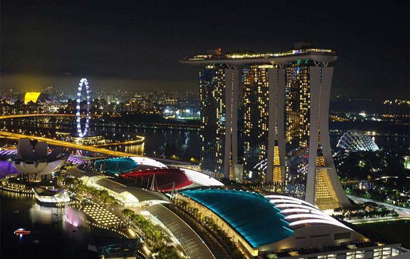 メインビジュアル : ビッグデータ活用進むシンガポールでデジタル変革に貢献