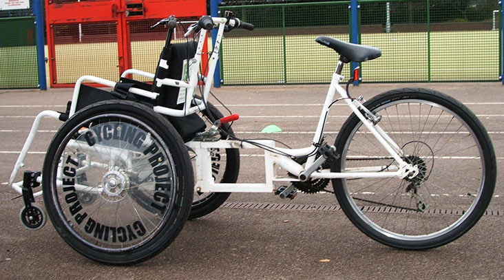 Tricycle with bucket seat
