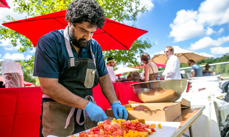 Attack of the Killer Tomato Festival serves it up all sweet 'n savory. (📷 Erik Meadows Photography)