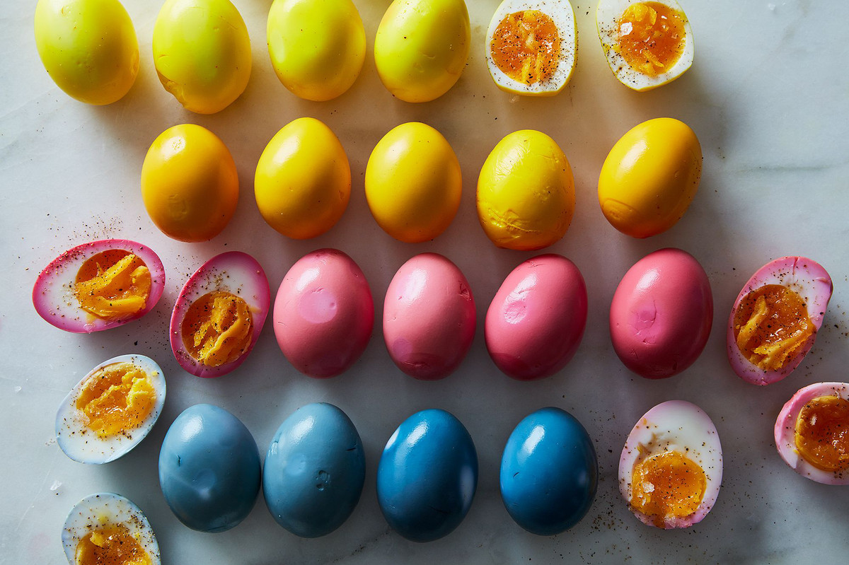 How to Make Pickled Eggs in Every Natural Color & Flavor Under the ...