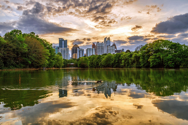 AtlantaMidtownLakeClaraMeerSkyline (2).jpg