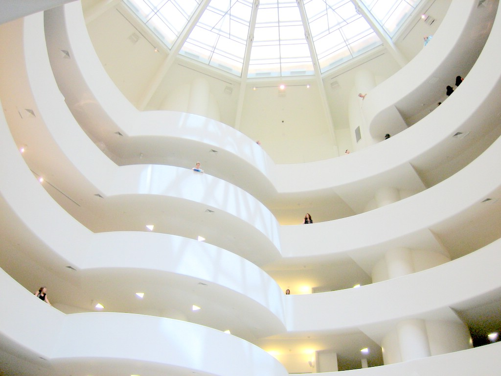 Guggenheim-New_York-interior-20060717.jpg