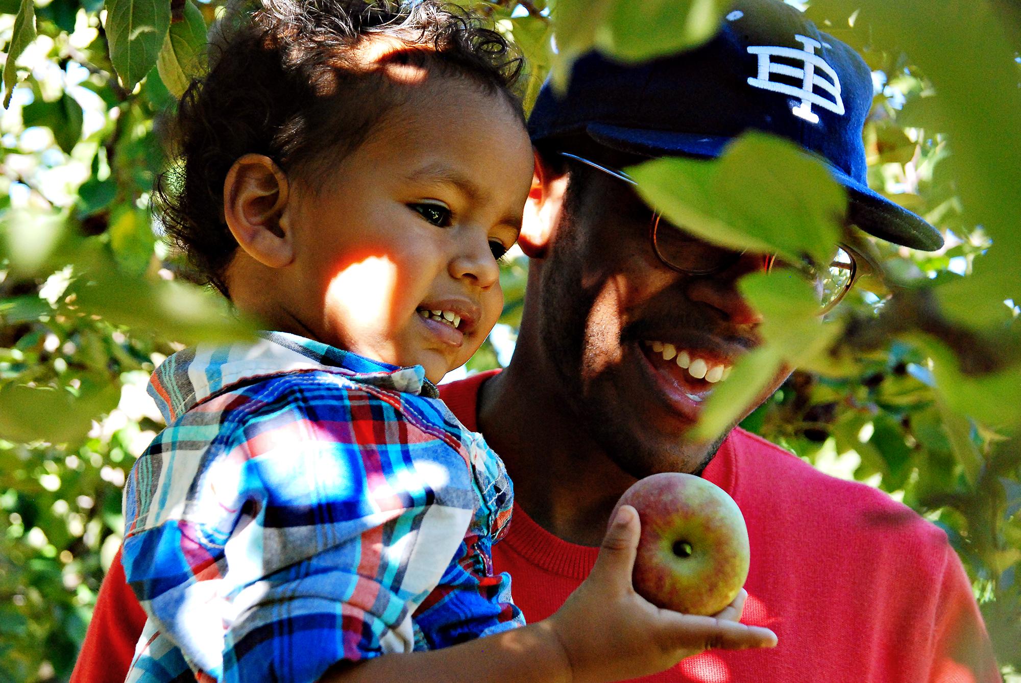 Find Fall Fun in Atlanta: Apple Picking, Pumpkins, Football and More_Joleen Pete