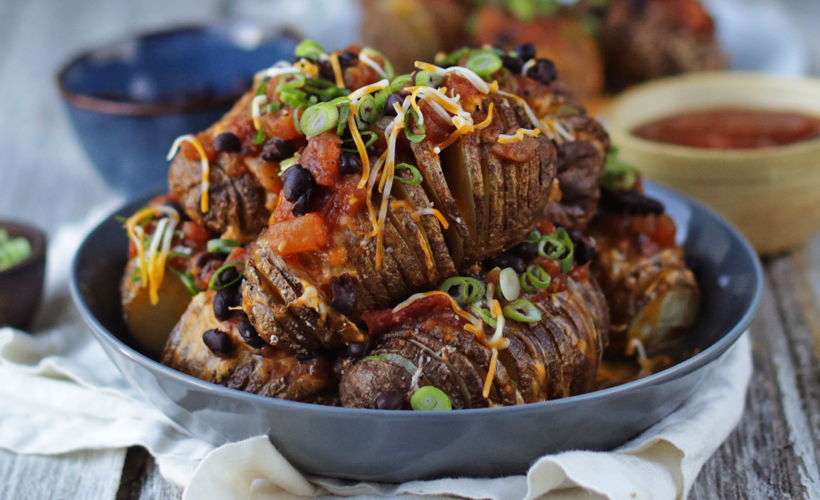 FY17 Ready Set Eat Billy Parisi Hasselback Potatoes with Salsa 820x500.jpg