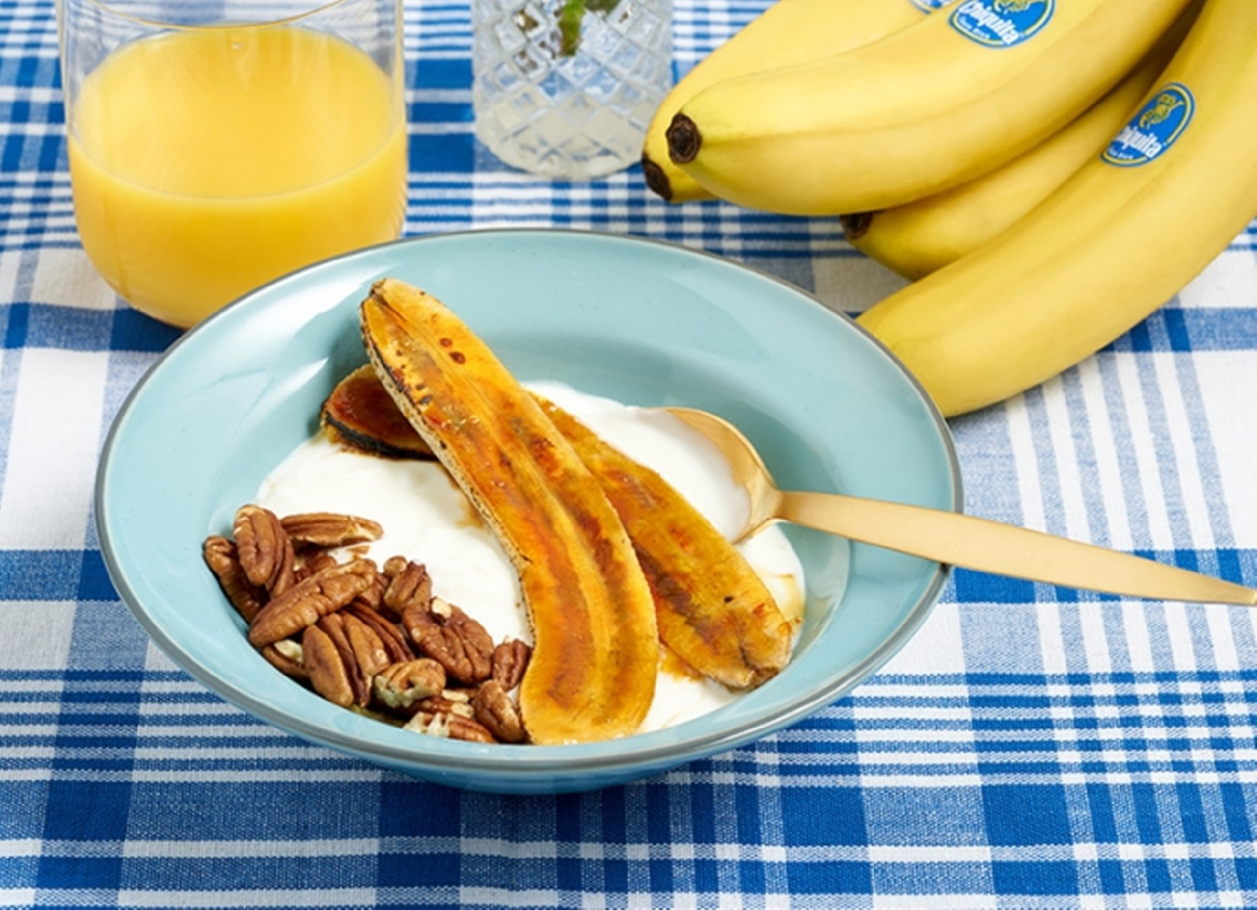 Maple_Grilled_Bananas_with_Yoghurt_and_Pecans_3_RE07_dm.jpg