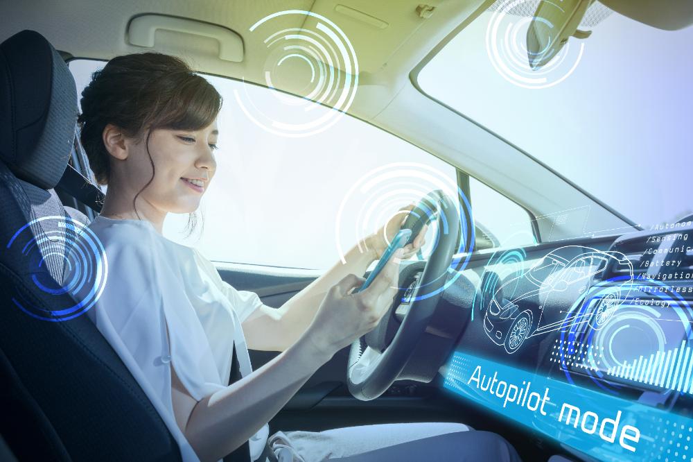 メインビジュアル : 2021年までに自動運転車の本格導入を目指すイギリスの国家戦略