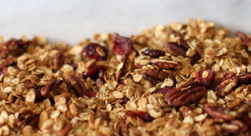 How to make crunchy granola in the slow cooker