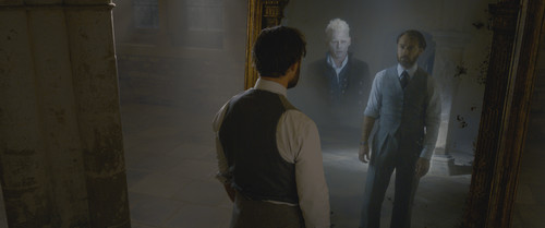 New Fantastic Beasts: The Crimes of Grindelwald Trailer Hints At Long-Awaited Dumbledore Reveal