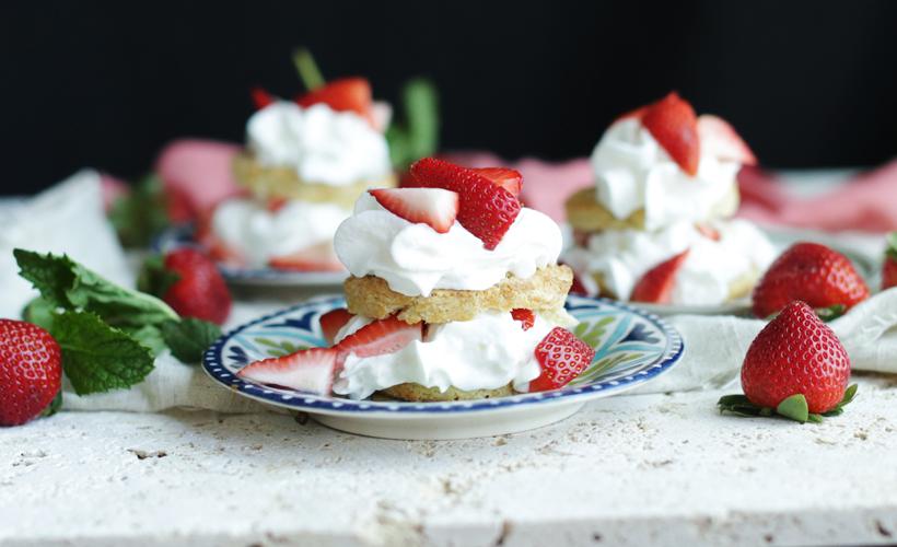 fresh-strawberries-and-gluten-free-shortcake-recipe