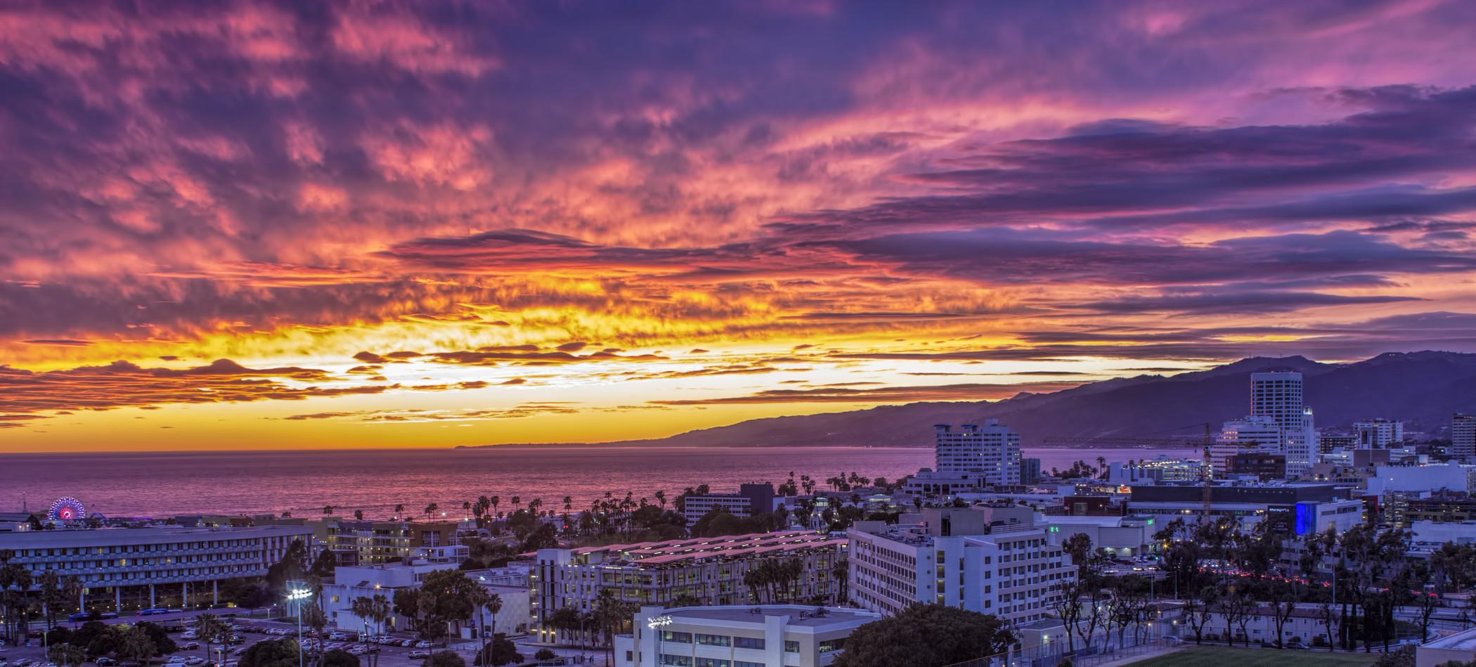 mer1135wn-179246-Hotel View of Santa Monica Shoreline-Med.jpg