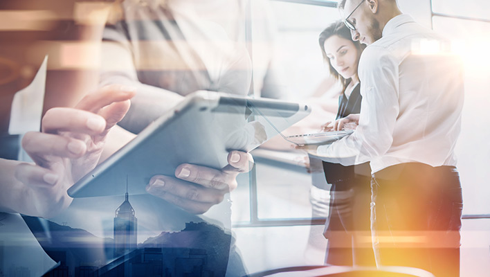 メインビジュアル : 企業のデジタル化がもたらすビジネスモデルの変革 全ての変化はお客様から