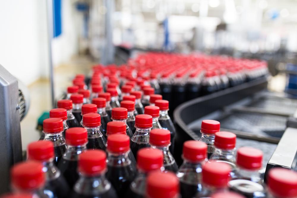 メインビジュアル : AI導入が食品・飲料メーカーの未来を大きく左右する