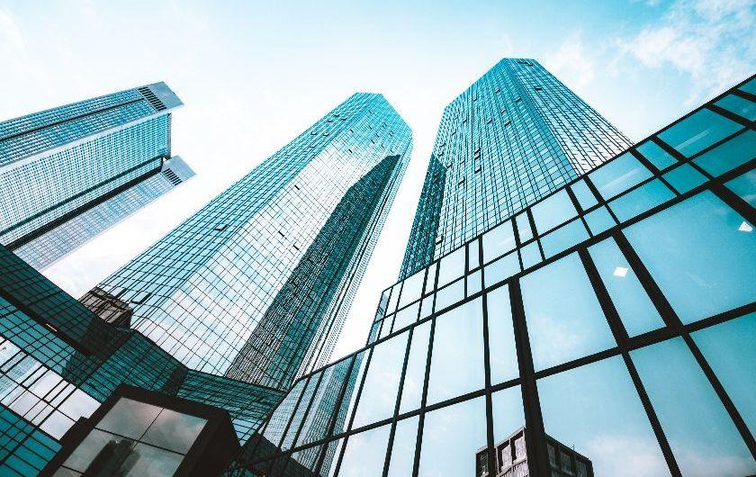 メインビジュアル : 銀行のDXで求められる企業文化の改革