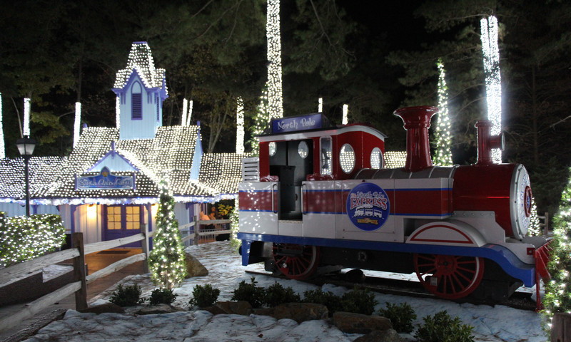 See Six Flags Over Georgia transforms for the holiday season. (Photo courtesy of Six Flags Over Georgia)