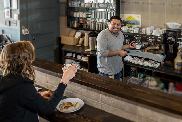 Coffee-Shop_Interior_Original-Photography_Brew-Brew-high-quality-Coffee-Shop_Barist-Tips_Reddi-WIp.jpg