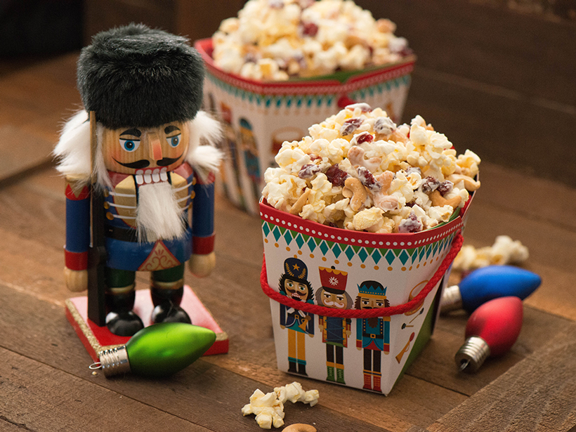 Cranberry-Crunch-with-Nutcracker-and-Holiday-decor_crop_Holidays-2015_Orville_Blogger_Ericka-Sanchez_Nibbles-and-Feast.jpg